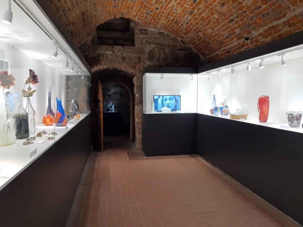 Огляд Музею скла у Львові (+місцерозташування +16 фото)