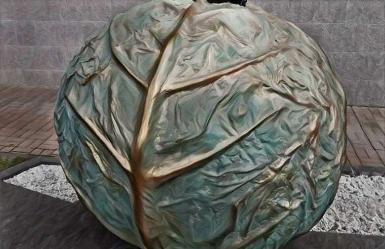 Обзор скульптурной композиции «У вас будет ребенок!» / младенец на капусте (+точное место нахождения +фотографии)